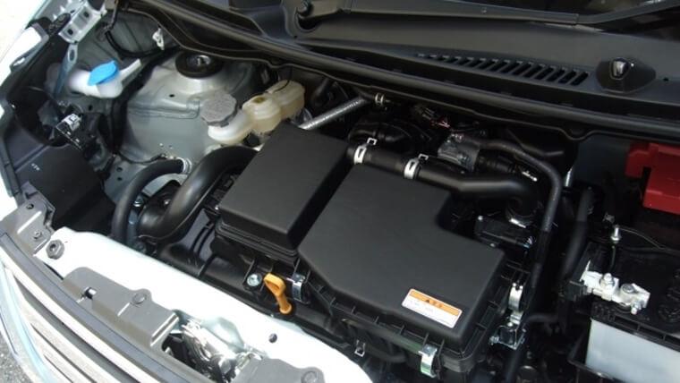 セレナの2個のバッテリー型式を調べる方法